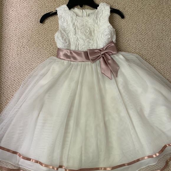 Beautiful Dillard's dress